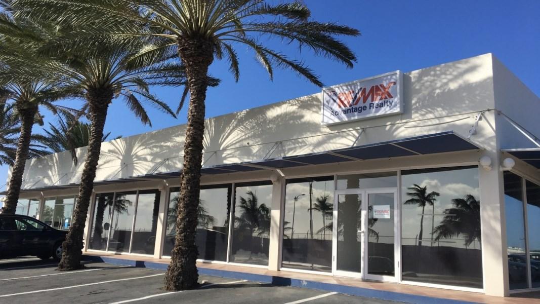 Portofino Plaza L.G. Smith Blvd 124