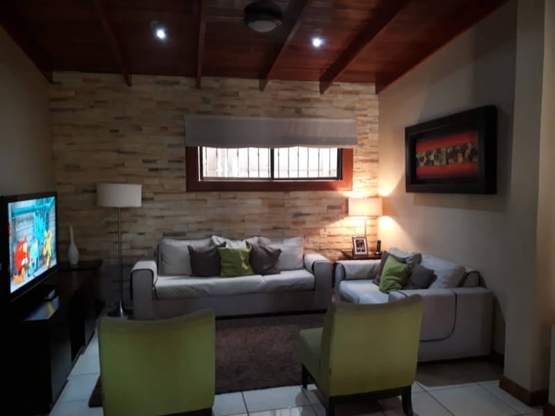 Se Venden 2 Casas en el Centro de Palmares