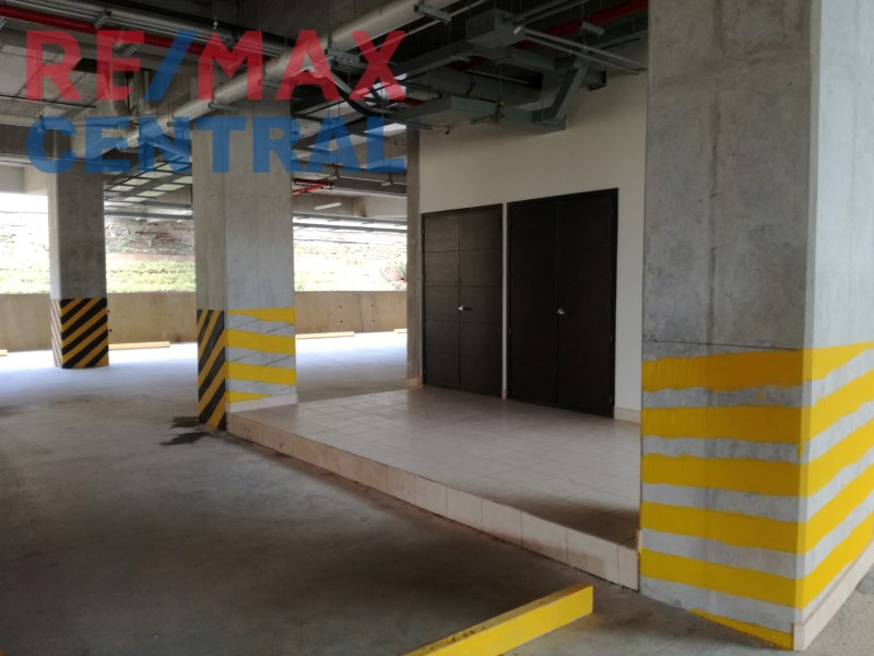 REMAX CENTRAL GUATEMALA RENT LOCALS IN PLAZA GUADALUPE CES BUILDING
