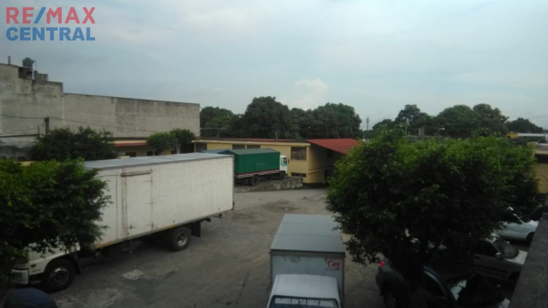 Rented Mini Wineries in front of the market in Escuintla