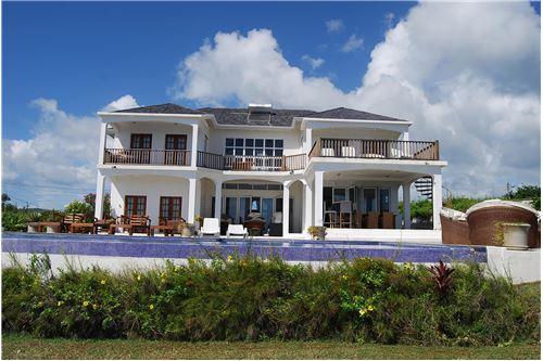 Luxurious Family Villa ...