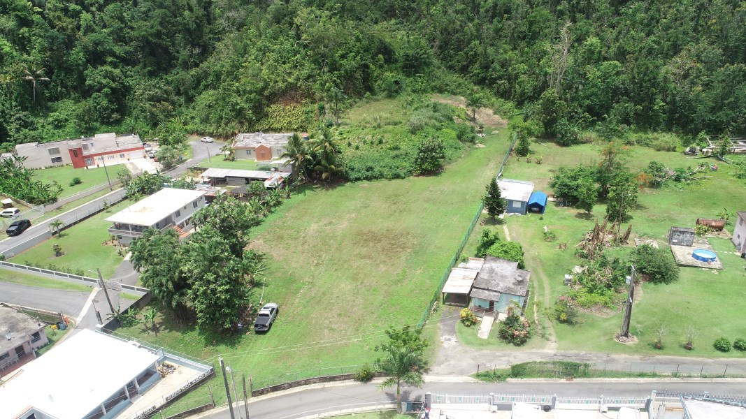 RE/MAX real estate, Puerto Rico, Dorado, Bo. Maguayo, Sec. Santa Rosa - Huge private Lot!
