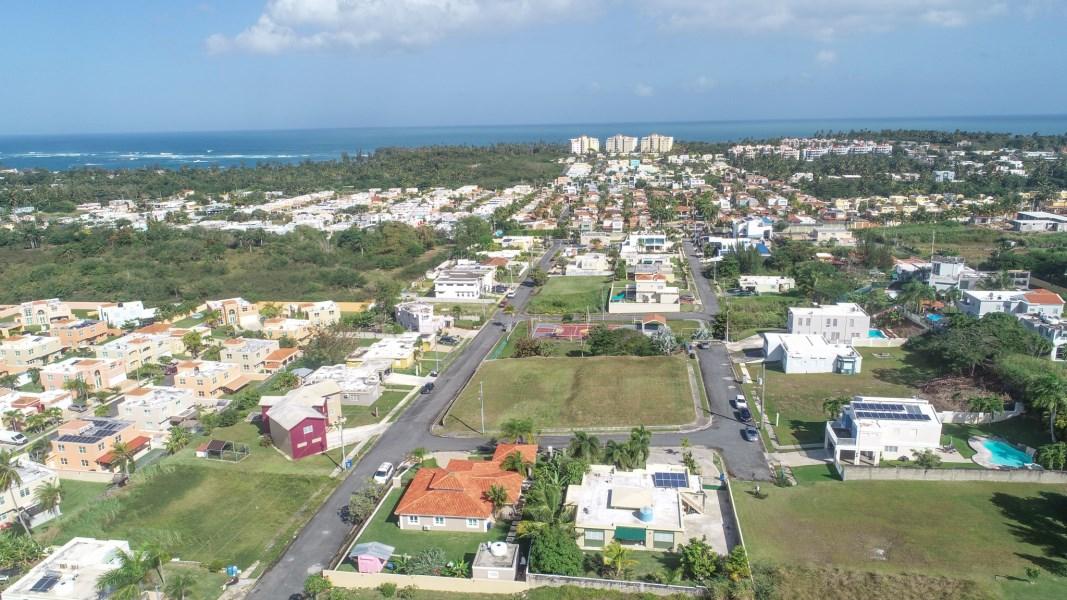 RE/MAX real estate, Puerto Rico, Alts De Cerro Gordo 3&4, Beautiful Lot for your Dream Home!-OPTIONED