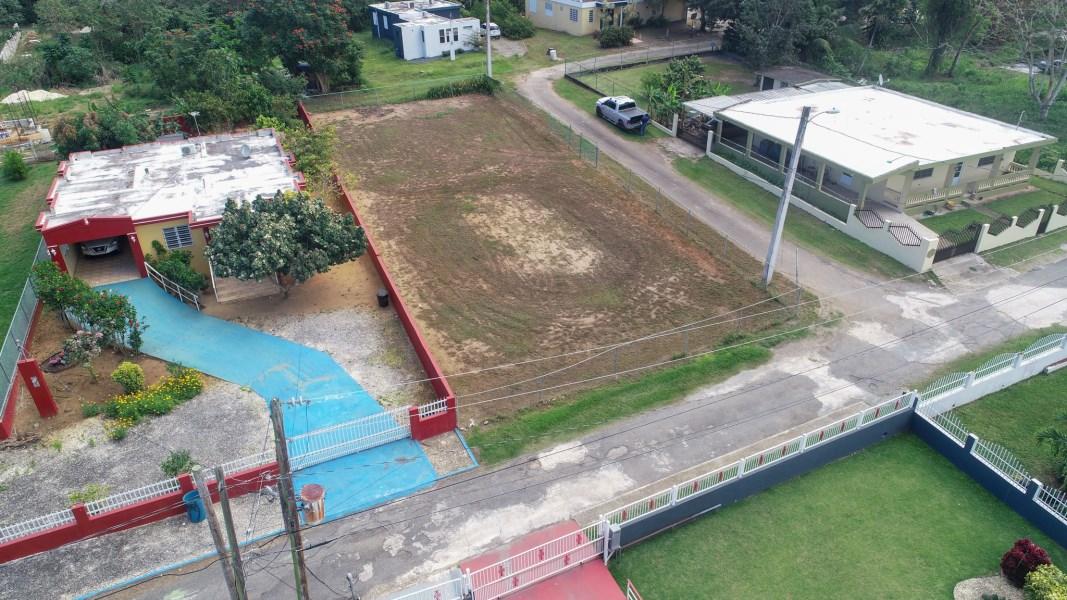 RE/MAX real estate, Puerto Rico, Arecibo, Private corner / huge lot ready to build your dream home!