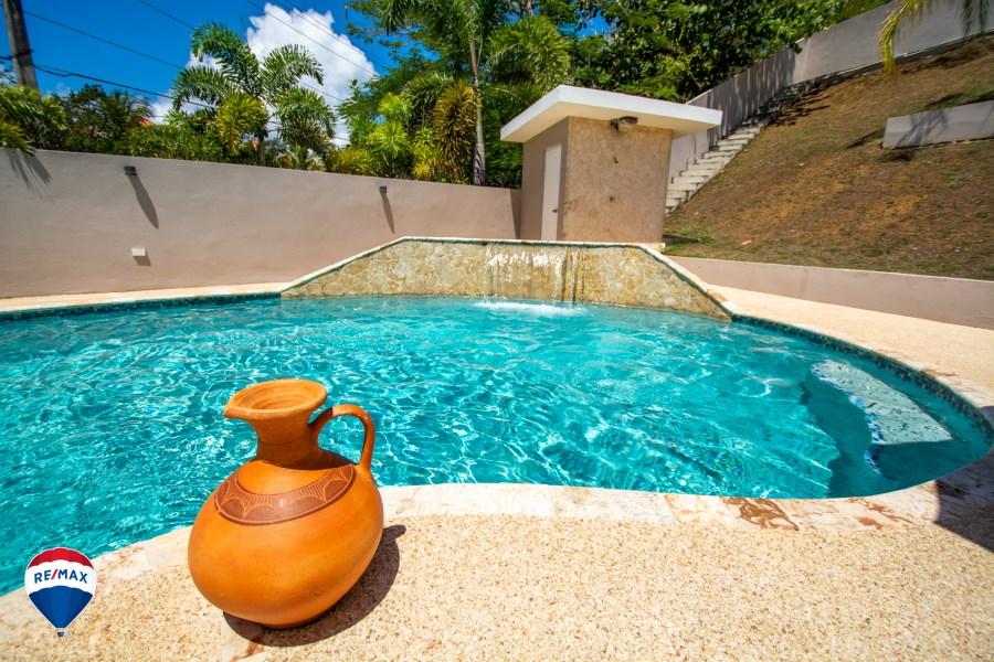 RE/MAX real estate, Puerto Rico, Vega Alta, Urb. Vega Dorada - New on the Market!