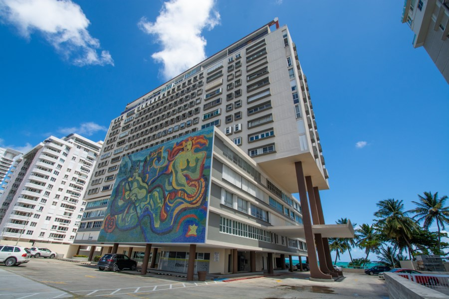 RE/MAX real estate, Puerto Rico, Isla Verde, Surfiside Mansions- Beautiful Apartment for Sale!
