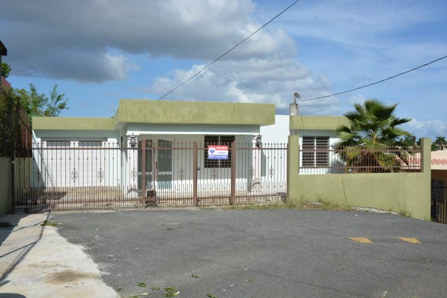 RE/MAX real estate, Puerto Rico, URB Covadonga, Bo. Candelaria-Pajaros_Amplia residencia