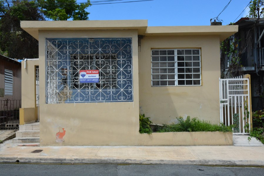RE/MAX real estate, Puerto Rico, Dorado, Comfortable home in urban area of Dorado