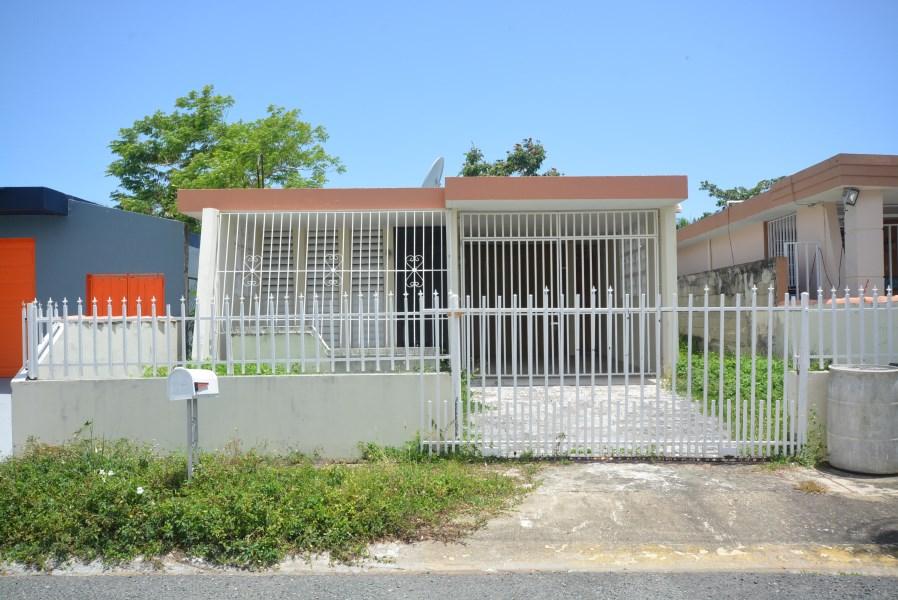 RE/MAX real estate, Puerto Rico, Ext Lagos De Plata, Urb. Ext. Lagos de Plata, Toa Baja-Under Contract!