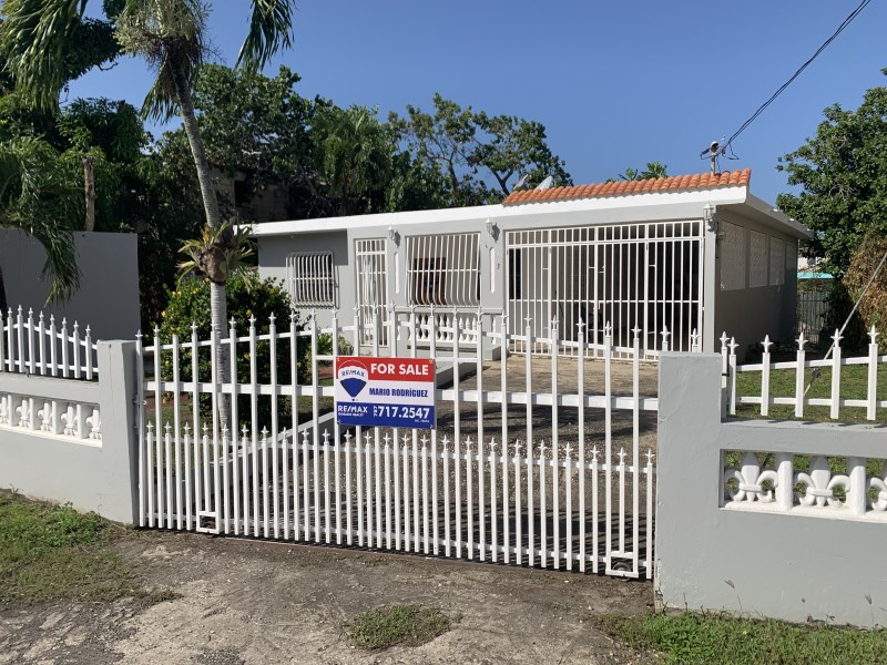 RE/MAX real estate, Puerto Rico, Brisas De Tortuguero, Brisas de Tortuguero, Vega Baja- UNDER CONTRACT!