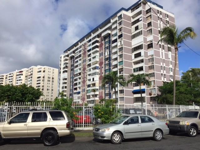 RE/MAX real estate, Puerto Rico, Isla Verde, Hermosa Vista! Cond. Laguna Gardens