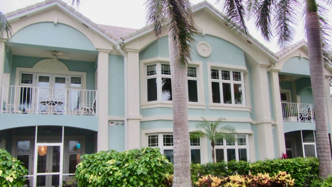 RE/MAX real estate, Cayman Islands, W Bay Bch South, BRITANNIA KINGS COURT - WATER FRONT
