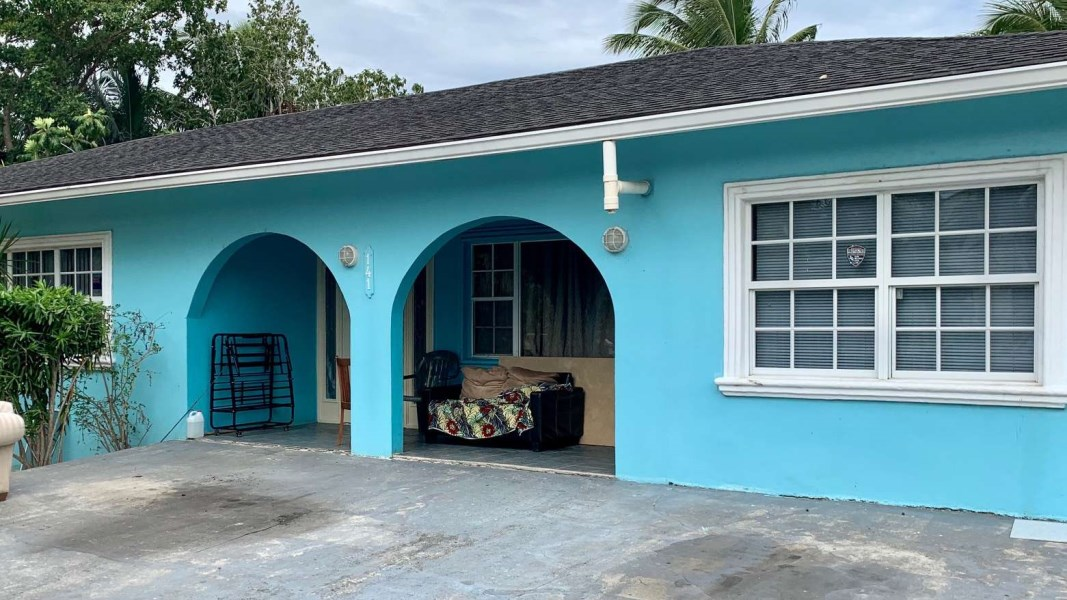 RE/MAX real estate, Cayman Islands, Spotts, Canalfront home - Patricks Avenue