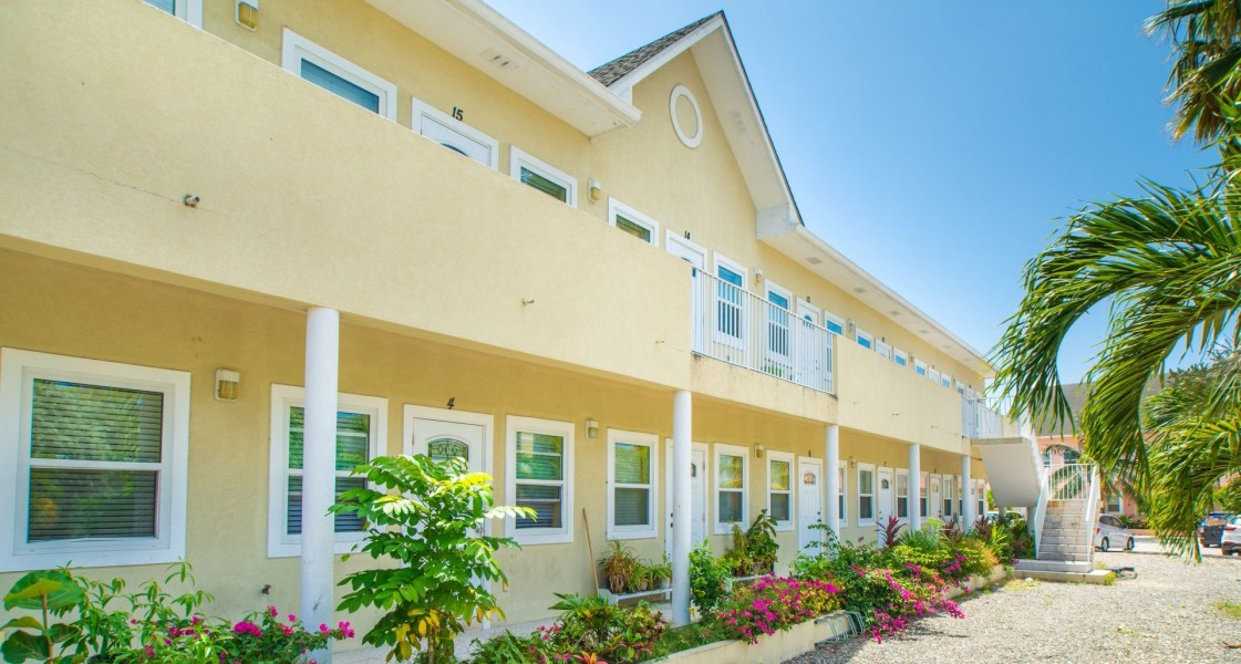 RE/MAX real estate, Cayman Islands, George Town South, Freehold - Fantastic opportunit