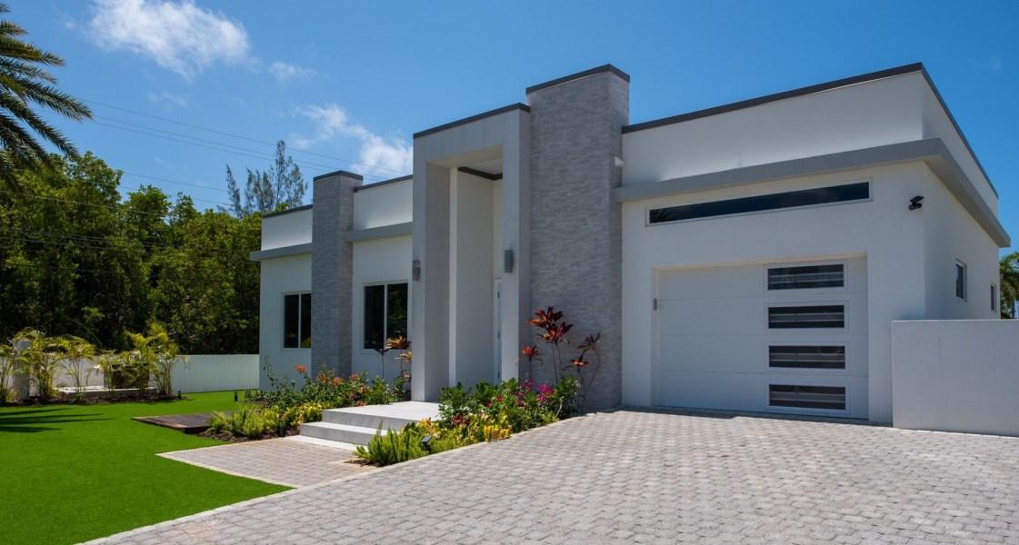 RE/MAX real estate, Cayman Islands, Spotts, Freehold - Mega modern, brand n