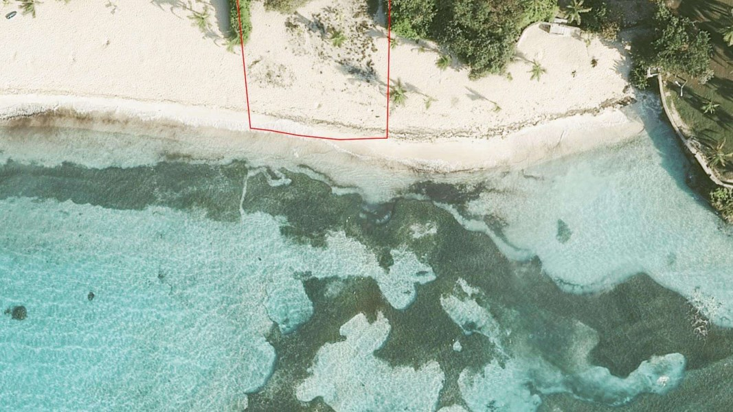 RE/MAX real estate, Cayman Islands, Spotts, Beachfront Land at Spotts
