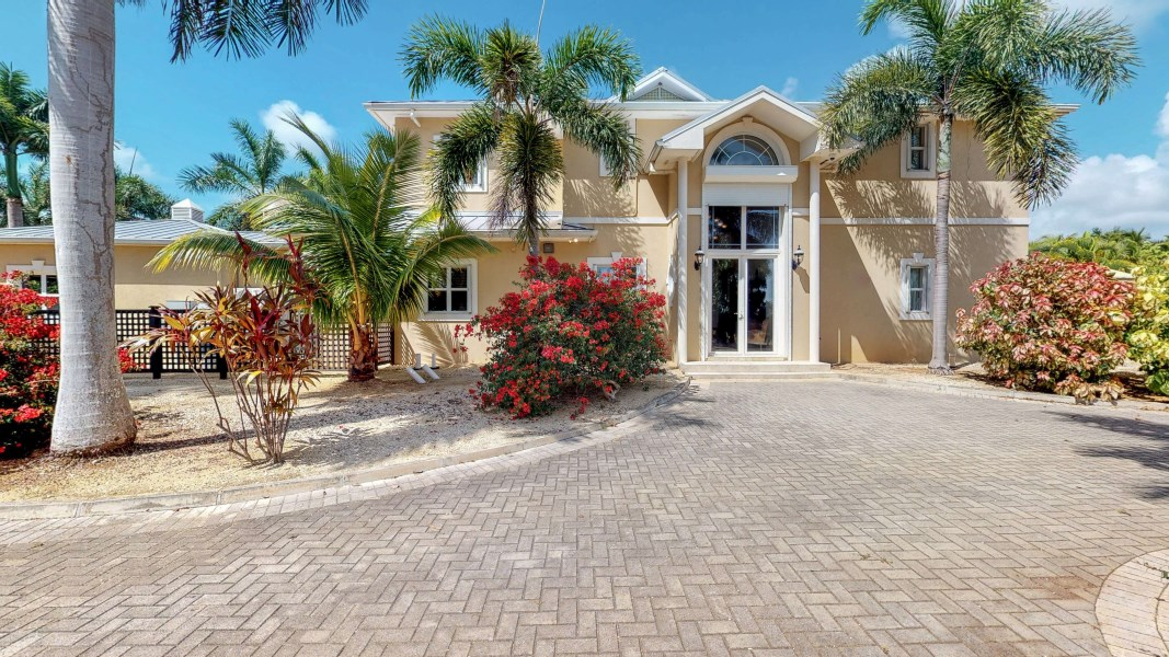 RE/MAX real estate, Cayman Islands, Bodden Town, Tiverton Estate