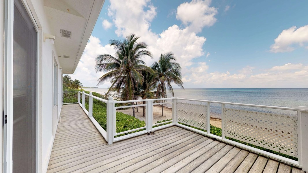 RE/MAX real estate, Cayman Islands, Rum Point, Rum Point Beachfront Home