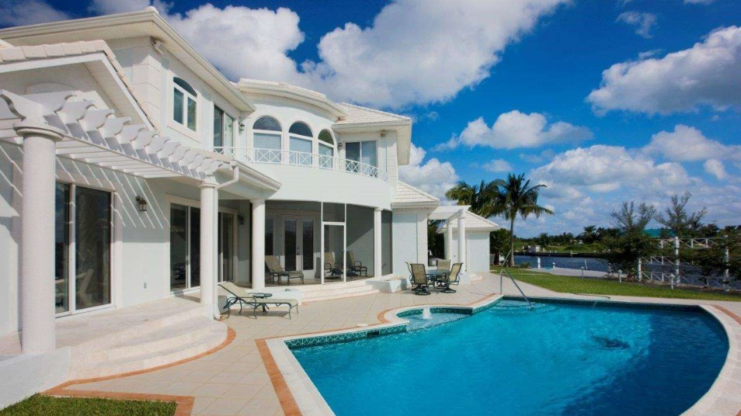 RE/MAX real estate, Cayman Islands, W Bay Bch South, Newhaven Quay Canal Point Home