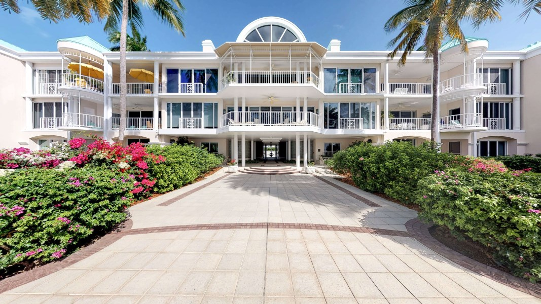 RE/MAX real estate, Cayman Islands, W Bay Bch North, The Great House Beachfront Condo