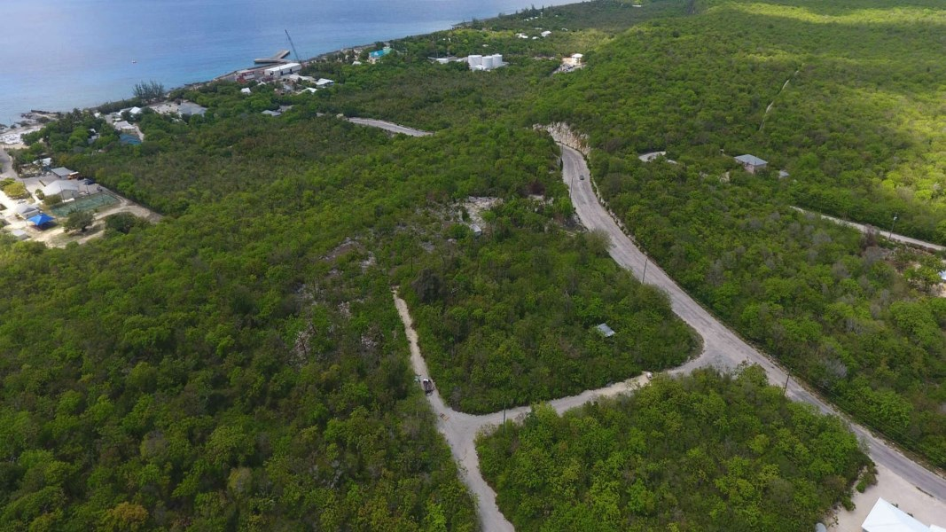 RE/MAX real estate, Cayman Islands, Cayman Brac East, Freehold - Great opportunity!!