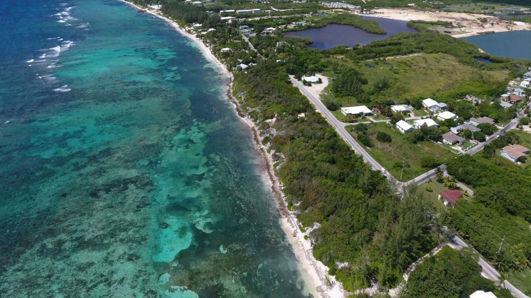 RE/MAX real estate, Cayman Islands, Bodden Town, Freehold - Perfect development