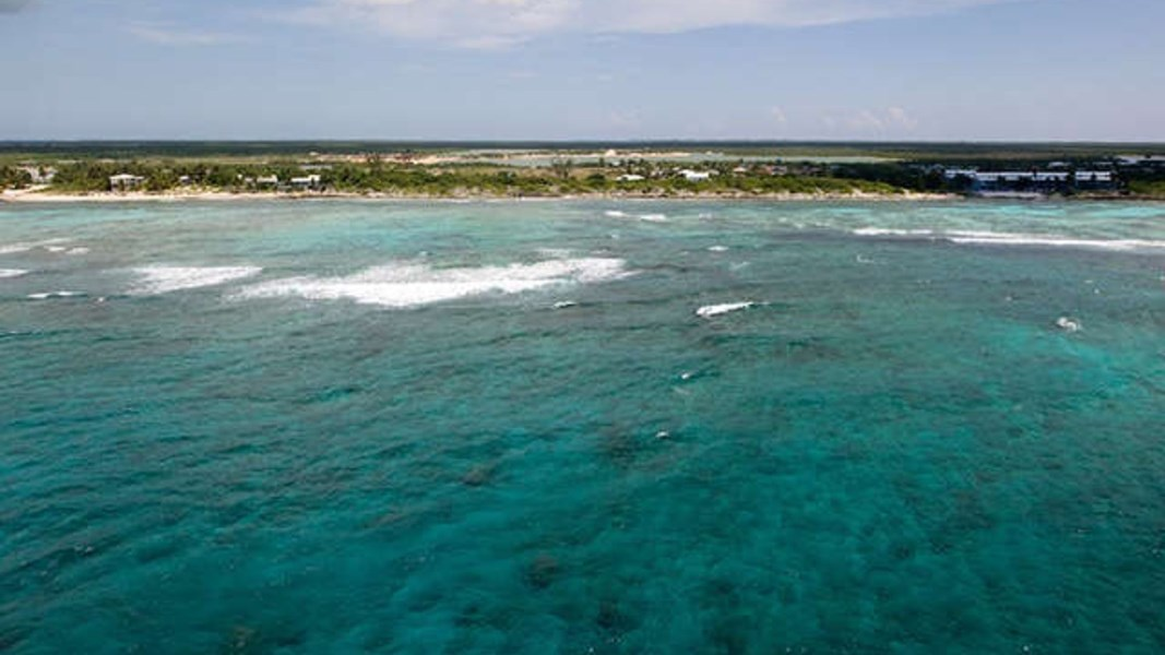 RE/MAX real estate, Cayman Islands, Bodden Town, Freehold - Perfect site for a l