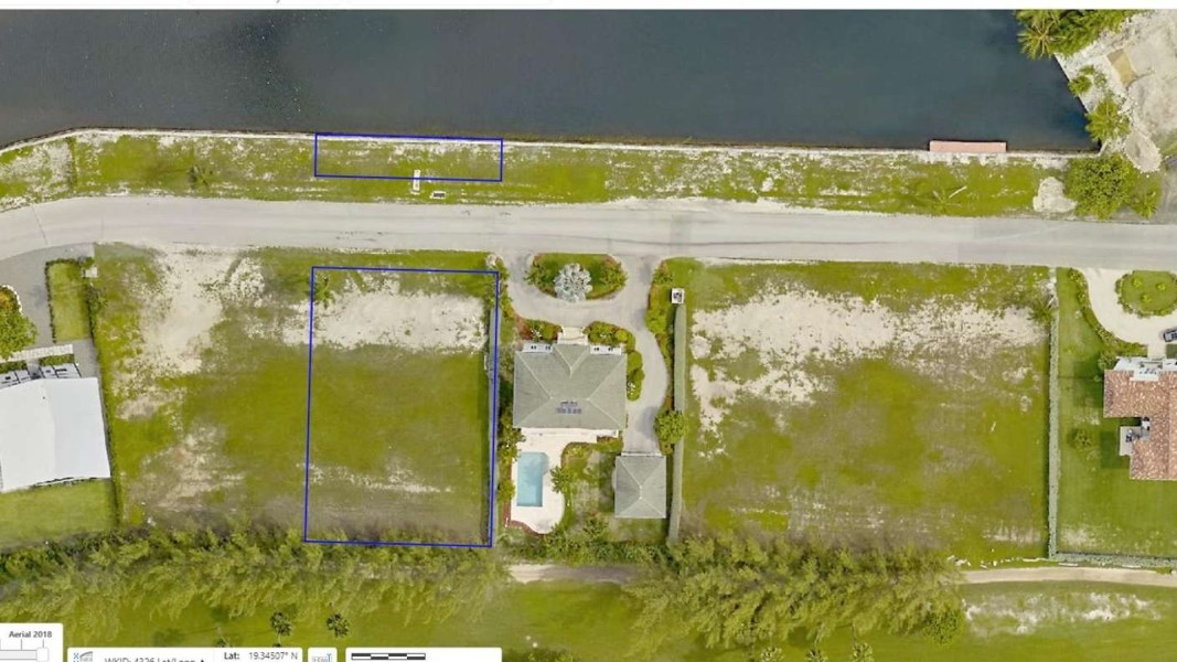 RE/MAX real estate, Cayman Islands, W Bay Bch North, Leasehold - With 102 feet of wat