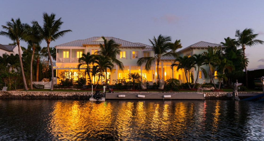 RE/MAX real estate, Cayman Islands, W Bay Bch North, Freehold - Designed for his fam