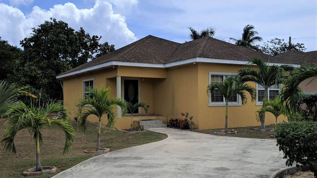 RE/MAX real estate, Cayman Islands, Lower Valley, Hopewell Dr Home