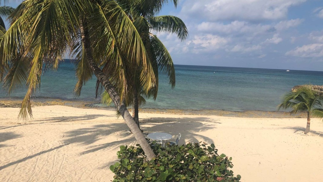 RE/MAX real estate, Cayman Islands, W Bay Bch South, The Grandview Renovated Beachfront