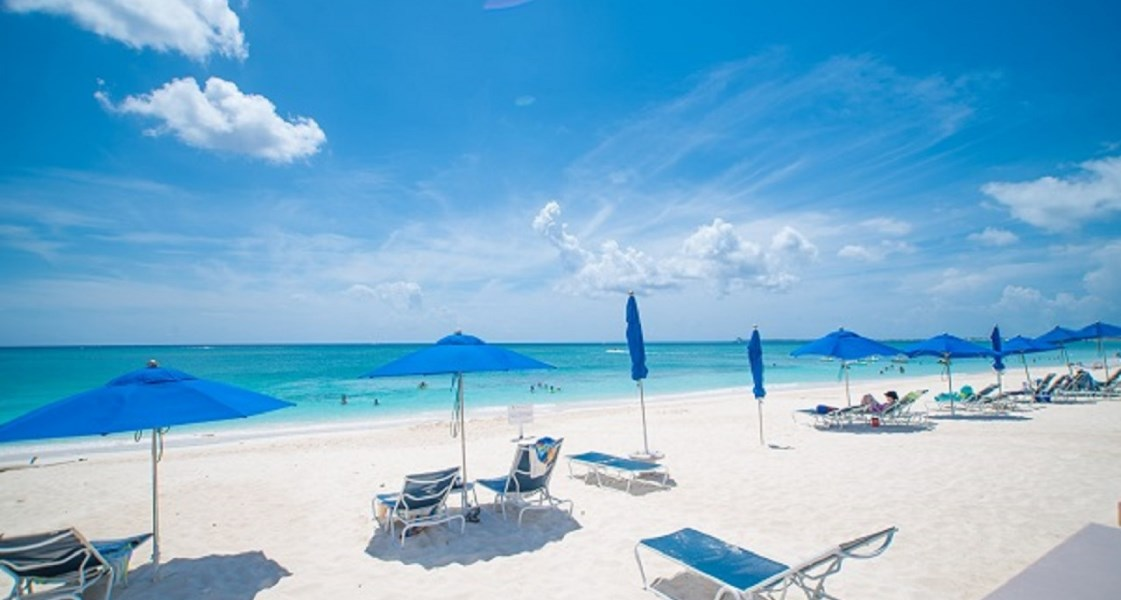 RE/MAX real estate, Cayman Islands, W Bay Bch South, Leasehold - Stunning residential