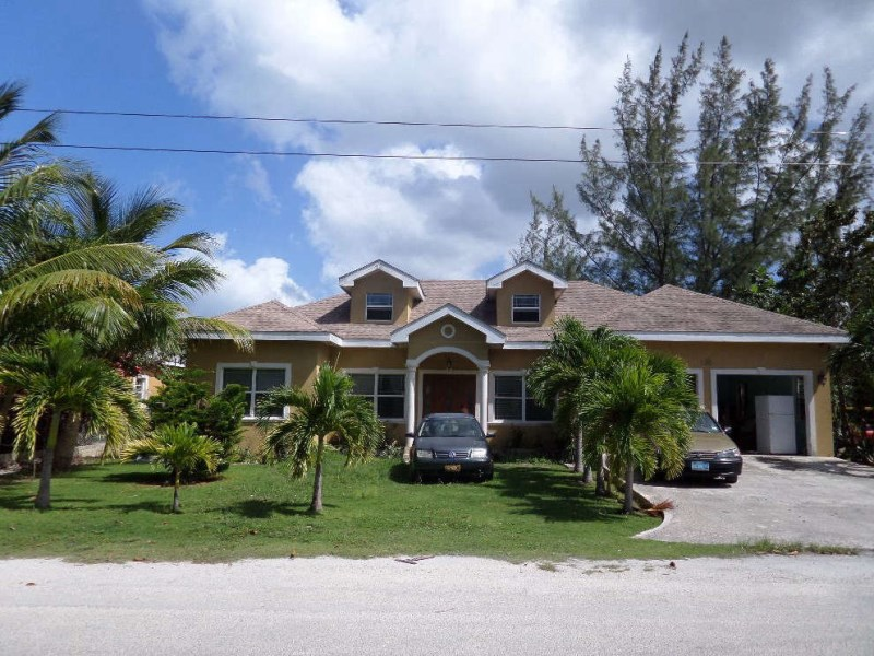RE/MAX real estate, Cayman Islands, Spotts, BAY ISLAND AVENUE