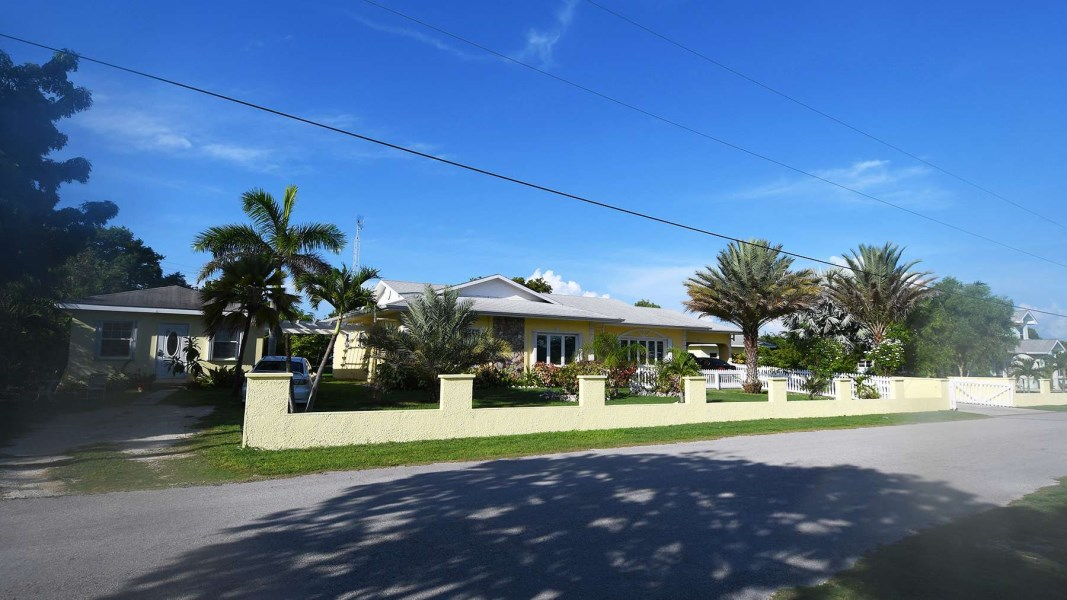 RE/MAX real estate, Cayman Islands, W Bay Bch West, West Bay Residentail Home w/Cottages