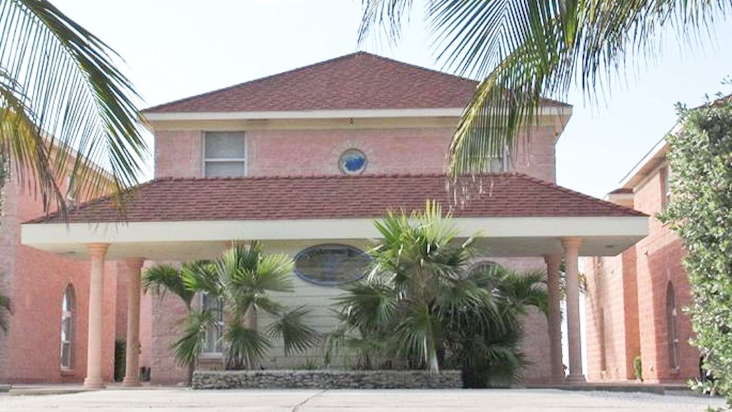 RE/MAX real estate, Cayman Islands, Cayman Brac East, Cayman Breakers Unit 101