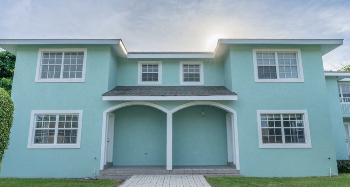 RE/MAX real estate, Cayman Islands, George Town South, Freehold - A RARE find these da