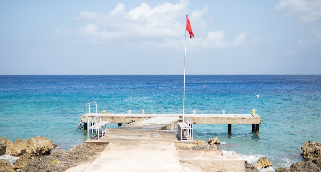 RE/MAX real estate, Cayman Islands, W Bay Bch West, Freehold - Cayman's first luxur