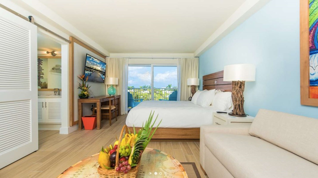 RE/MAX real estate, Cayman Islands, W Bay Bch South, Margaritaville - Pool View - Studio Suite