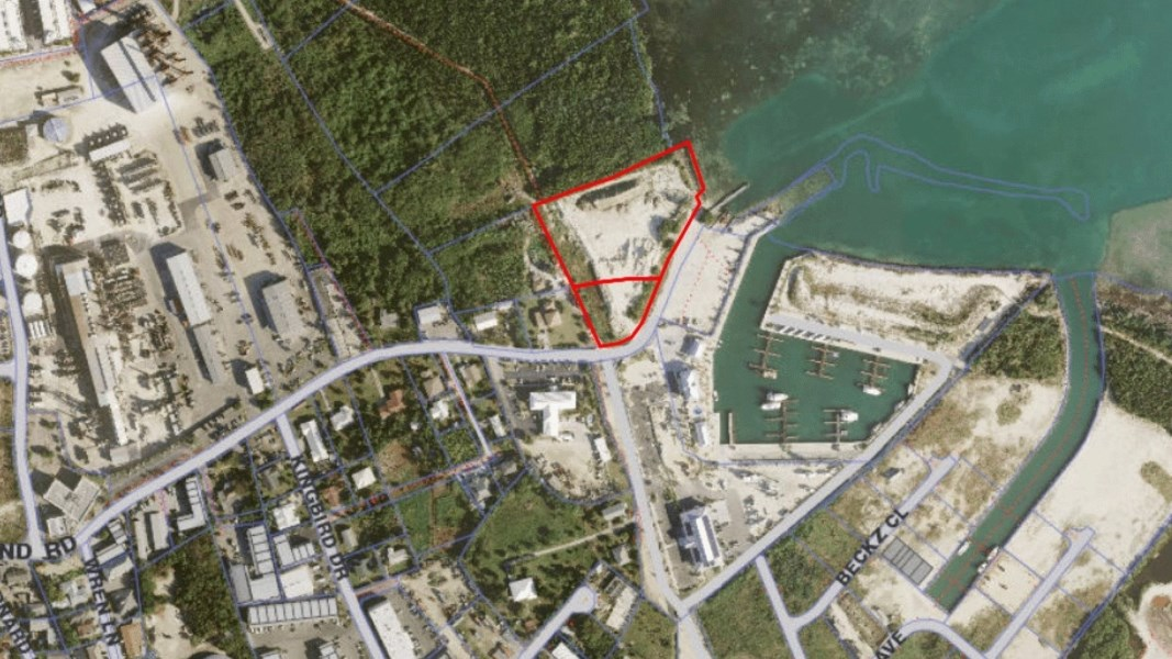 RE/MAX real estate, Cayman Islands, George Town, Freehold - Direct road frontage