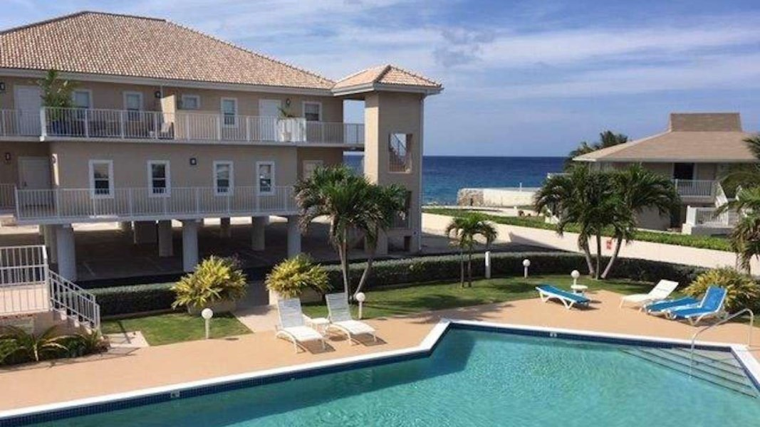RE/MAX real estate, Cayman Islands, W Bay Bch South, Bonnie's Arch