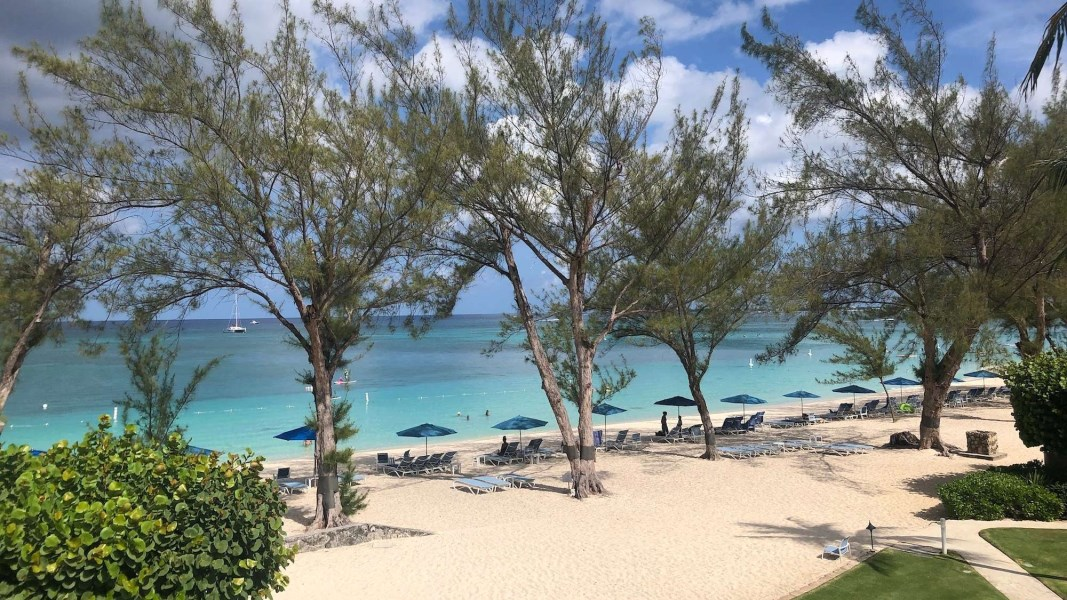 RE/MAX real estate, Cayman Islands, W Bay Bch North, Villas of the Galleon