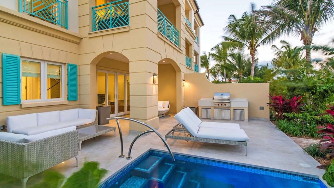 RE/MAX real estate, Cayman Islands, W Bay Bch North, This prime corner residence has an expansive verandah with s