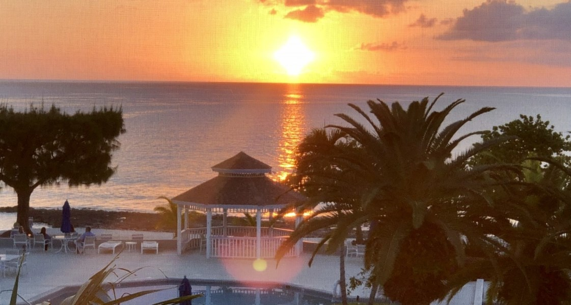 RE/MAX real estate, Cayman Islands, W Bay Bch South, Freehold - BEST PRICE AT GRANDV