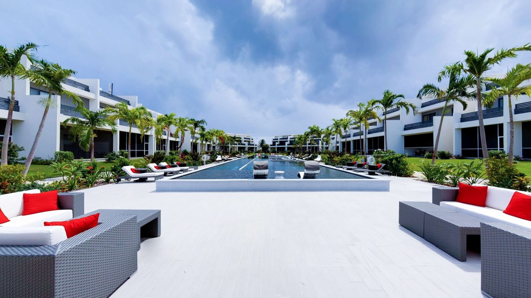 RE/MAX real estate, Cayman Islands, South Sound, Vela 30 - Overlooking the pict