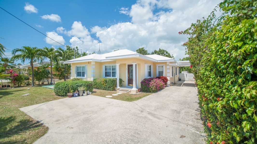 RE/MAX real estate, Cayman Islands, Savannah, Elderberry Drive