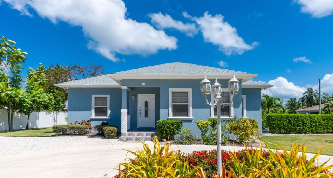 RE/MAX real estate, Cayman Islands, George Town, Freehold - Incredible investmen