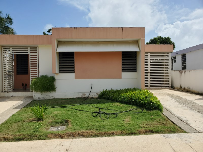 RE/MAX real estate, Puerto Rico, URB Los Colobos, Urb. Los Colobos Park