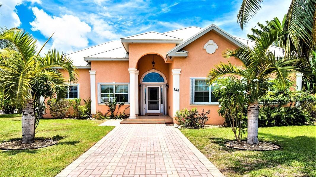 RE/MAX real estate, Cayman Islands, Bodden Town, Bodden Town Lookout Gardens Beauty