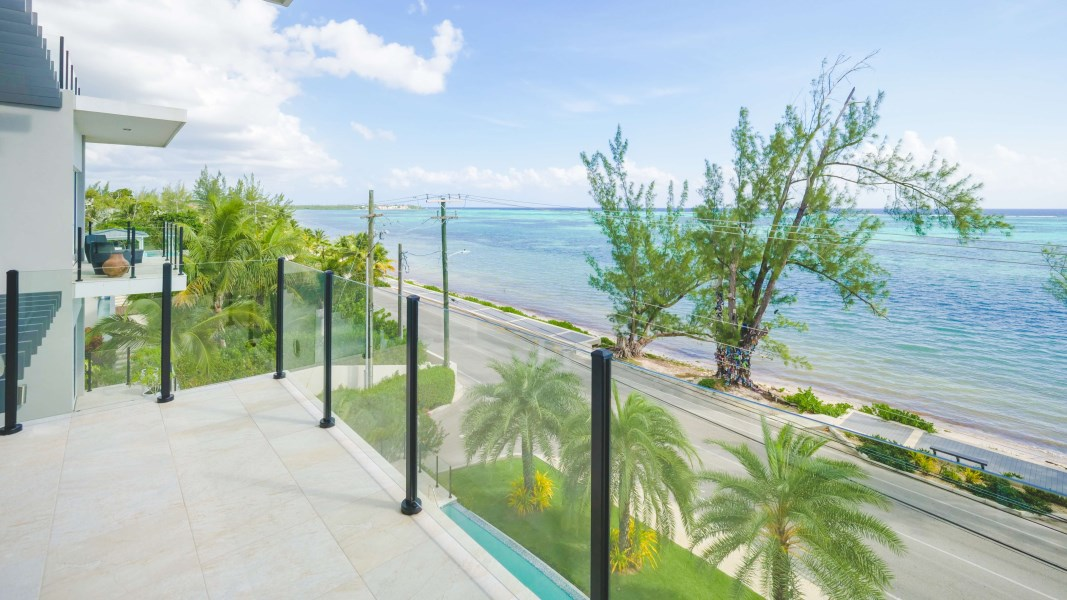 RE/MAX real estate, Cayman Islands, South Sound, Shore Club Penthouse