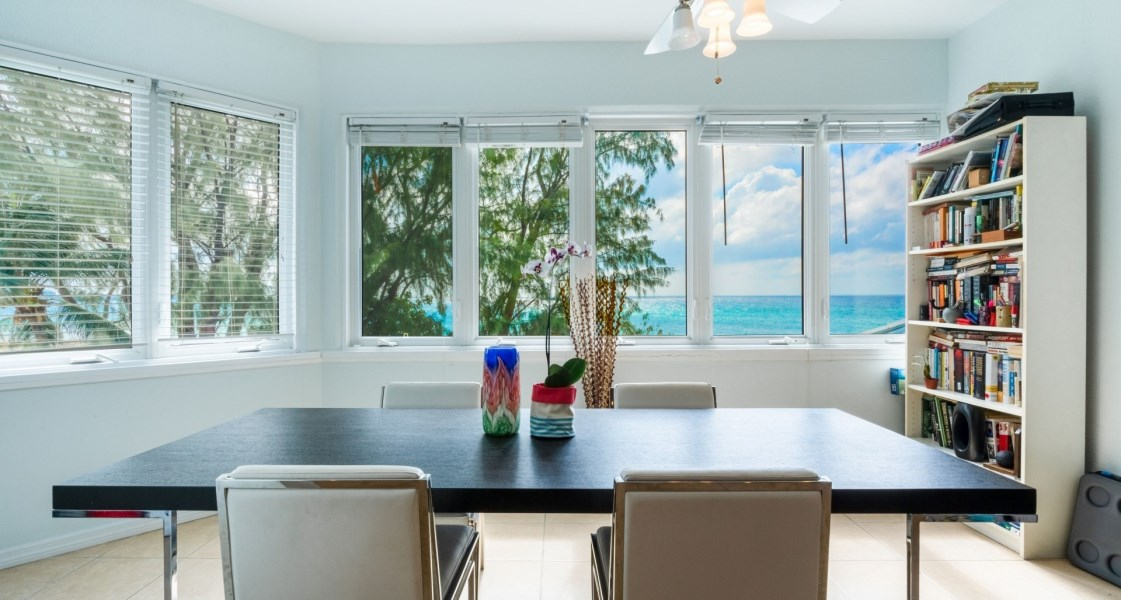 RE/MAX real estate, Cayman Islands, George Town Centr, Freehold - This 1756 sq ft. spa